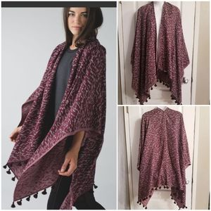 Lululemon Sun to Moon Poncho Scarf
